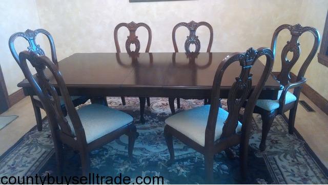 Steinhafels Queen Anne Cherry Dining Table Chairs In Grafton Ozaukee Wisconsin